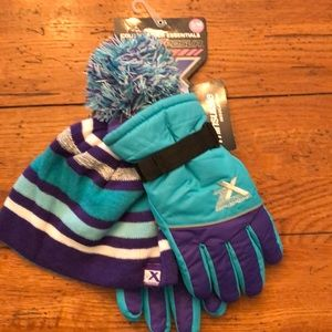 NWT - Girls Youth Hat and Glove Set